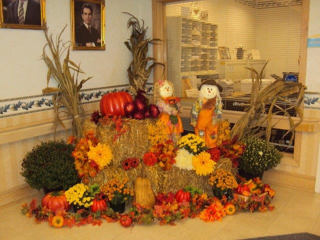 Greentree Lobby Fall Decor